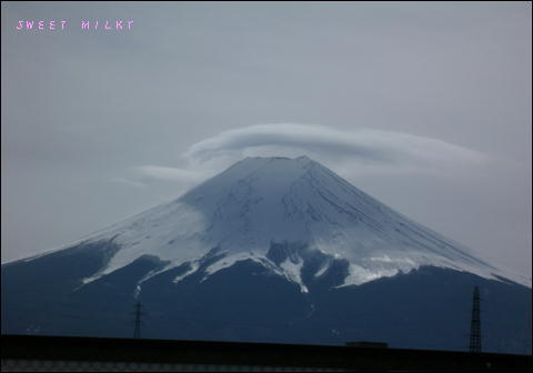 かさ雲富士山.JPG