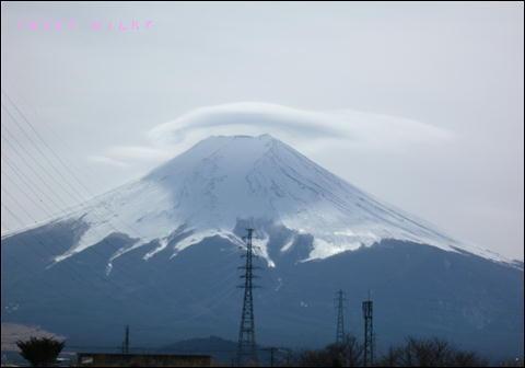 かさ雲富士山1.JPG
